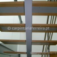 Escada Apoiada (2)